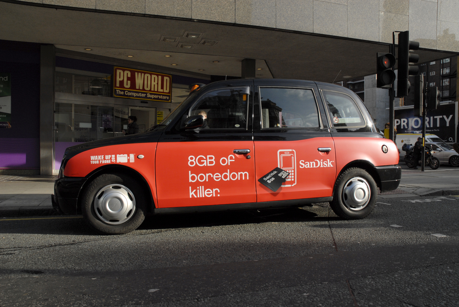 2008 Ubiquitous taxi advertising campaign for Sandisk - 8mg of boredom killer