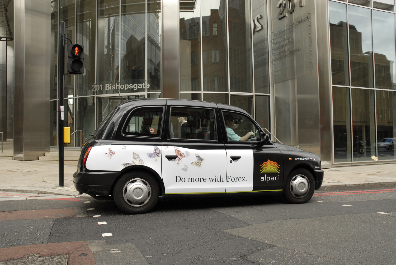 2009 Ubiquitous taxi advertising campaign for Alpari - Do more with Forex