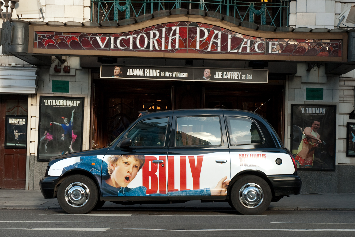 2009 Ubiquitous taxi advertising campaign for AKA - Billy Elliott is the best show on the London stage