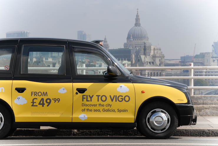 2012 Ubiquitous taxi advertising campaign for Vueling - Fly to Vigo