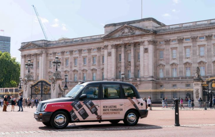 Rimmel branded taxi outside Buckingham Palace