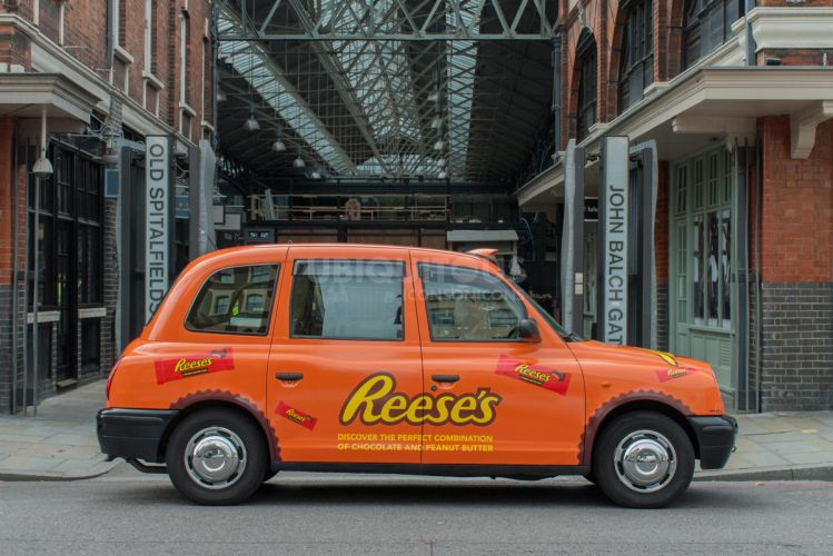 2017 Ubiquitous campaign for Hershey's - Discover The Perfect Combination Of Chocolate & Peanut Butter