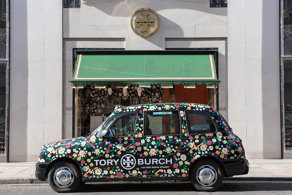 0440a49bfbe 2016 Ubiquitous campaign for Tory Burch - 149 NEW BOND STREET